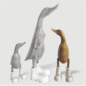 Ente »Hanna« - mittel braun aufrecht mit weissen Schuhen